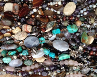 Healing Properties of Stones--- Find out the healing properties of stones to receive a free download and choose your healing jewelry today!