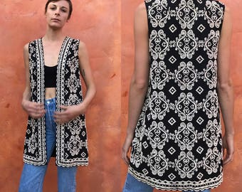 Stunning vintage 1960s 1970s heavily beaded black white long tunic vest. hippie boho bohemian gypsy. xs small medium