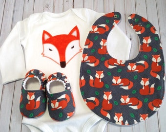 Fox Baby Gift Set, Soft Sole Baby Shoes, Baby Shower Gift, Fox baby outfit, Fox baby shoes, Fox bodysuit, Gray baby shoes, baby gift