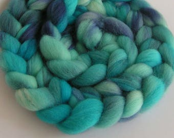 Roving Fiber COLUMBIA Wool Top ICE PALACE Hand Painted Spin Felt Craft 4 ounces Purple Blue