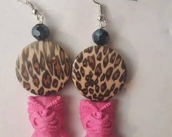 Tiki, Tiki earrings,  Pink tiki, pink tiki earrings, Leopard print, Punk, Tiki Oasis, Rockabilly, Luau