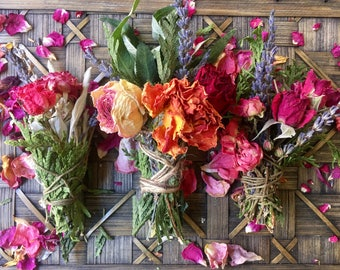 Mini Floral Smudge Stick, Sage, Sage Bundle, Smudge Bundle, Floral Sage, Floral Smudge, Incense, Cleansing, Ritual, Ceremony, White Sage