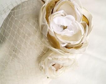 Ivory fascinator White Champagne flower Floral headband Birdcage veil White gold headpiece Bridal fascinator Floral crown Ivory Netting veil