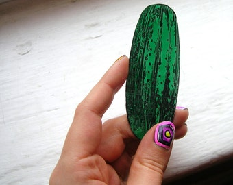 green pickle magnet - a dill to stick to your fridge