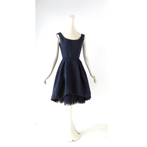 robe de soir e des ann es 50 robe des ann es 1950 bonwit. Black Bedroom Furniture Sets. Home Design Ideas