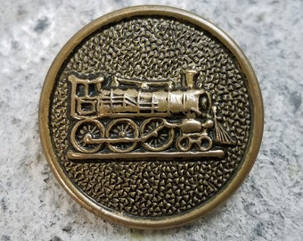 Excellent Brass Railroad Railway Tranportation Picture Button ~ 7/8 inch 23mm ~ Train RR Locomotive Steam Engine Pictorial ~ Sewing Button