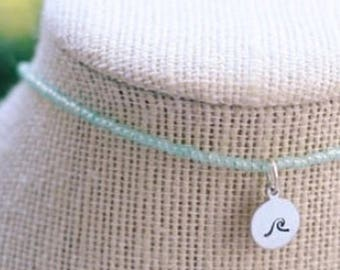 Simple stamped wave necklace