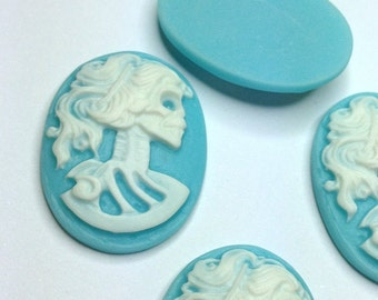 5 Cameo Cabochon Lady Skull Skeleton 25 x 18mm Resin Gothic Oval Cameo WHITE  on BLUE - Pack of 5
