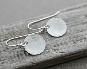 Hammered sterling silver round circle disc earrings, Sterling silver ear wires, Brushed Satin finish, Textured, Modern Dots