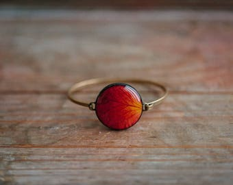 Red rose bracelet, Mothers day gift, Resin jewelry, Rose petals jewelry, Resin flower bangle, Resin rose petal bracelet, Red flower bracelet