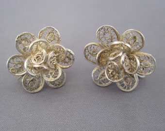 Vintage Silver Filigree Floral Screw Back Earrings