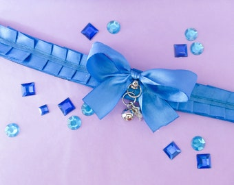 Soft blue pleated collar
