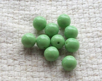 Opaque Green Glass Beads - 8 mm - Set of 20