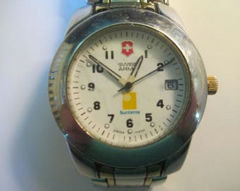 "Vintage ""Swiss army"" man's watch  Quartz linked metal band  sunterra used"
