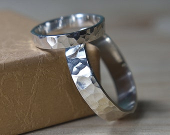 Hammered Sterling Silver Wedding Band Ring Set. Hammered Wedding Band Set for Man. Hammered Wedding Ring Set for Woman