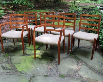 Set of 6 Mid Century Modern Danish Moller #85 and #68 (arm) Teak Chairs in Excellent Condition