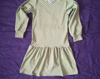 Green Girl dress with long sleeves