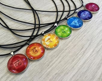 Kit of 7 crystal necklaces. Seven body Chakra Pendants. Chakra Jewellery.