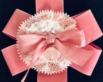 Stylish brooch in modern pink with lace&swarovski crystal
