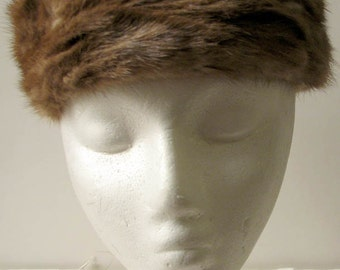 Vintage 1960s Lit Brothers Mink Pillbox Hat
