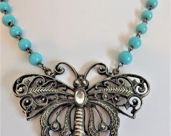 Pretty Vintage Large Silver Butterfly Turquoise Glass Bead Necklace