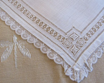 Ivory Lace Handkerchief Linen Wedding Hankie Vintage 1950s Drawn Thread Work Ivory Linen & Lace Edging Bridal Hankie Hemstitching
