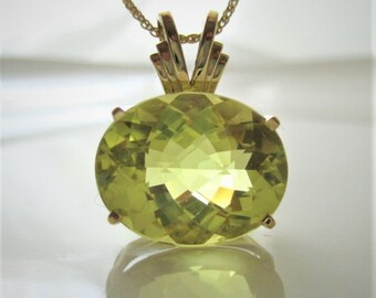 """Captivating..Unusual  Lime Citrine 13.19Ct. in 14Kt. Yellow Gold with 18"""" Wheat Chain"""