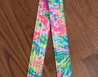 CAMERA STRAP in Lilly Pulitzer 2017 Multi Fan Sea Pants