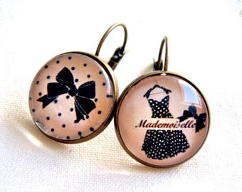 Earrings sleepers cabochons different Miss dress and black, bronze bow.