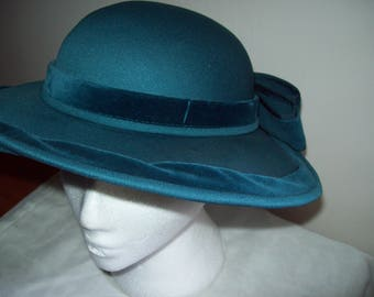 Woman's Ladies vintage banded wide brimmed turquoise fedora hat by Connor 1960s style formal, fun  bow in ribbon band Races wedding