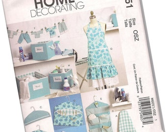MCCALLS home decorating PATTERN M6051 hanging organizer, storage boxes, hanger covers, aprons, one size fits all, new and uncut