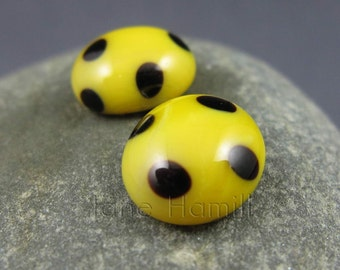 "Art glass cabochons ""Yellow Polka"", lampworked and slumped recycled beads, FHFteam Y3, SRA, GBUK"