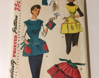 OOP HTF  Vintage Sewing Paper Pattern Apron NEW uncut factory folded size medium simplicity 4492
