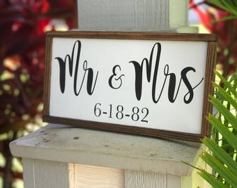 Mr and Mrs|mr and mrs sign|wedding gift|wedding signs|custom name|anniversary gifts|anniversary|anniversary gift|husband gift|wife gift