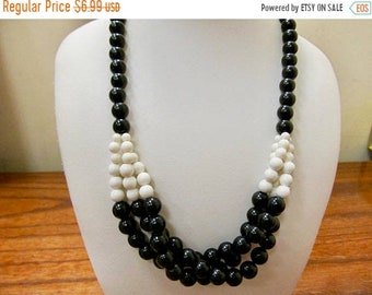 On Sale Vintage Black and White Plastic Beaded Necklace Item  K # 1972