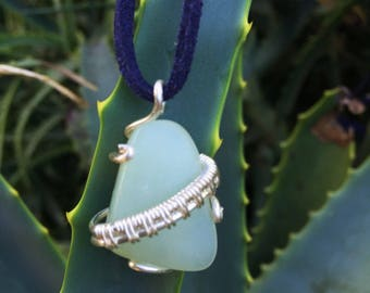 Howlite Wirewrapped Pendant