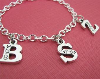 sterling silver initial avec bracelet à breloques date