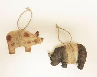 Primitive Pig Ornament Set of Two, Christmas Decor, Primitive Ornaments