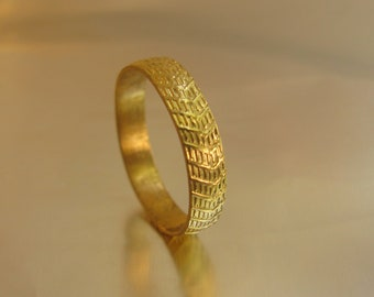 14k Yellow gold wedding ring for woman/man.Wedding ring with decorations. Free shipping.