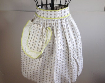 Vintage Half Apron with Pocket  (1287)