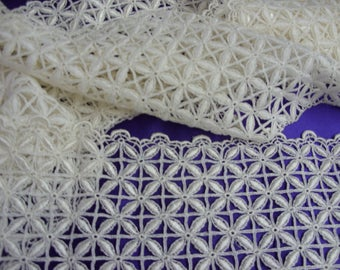 "No. 100 Creamy White Rayon Guipure Insertion Lace; 3 Yds and 10"" x 6.5""; Pristine"