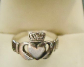 Authentic SOLVAR Claddagh Ring Size 5 Sterling Silver Ladies Girls Antique From Dublin Castle Ireland Women's  used