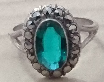 Vintage marcasite and green stone sterling silver ring