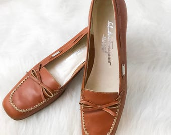 Vintage Designer Ferragamo Low Heel Biw Loafers - sz 7.5AAAA - Free Ship