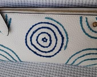 Ladies white purse, nice look