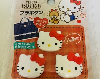Hello Kitty Button 3 pieces
