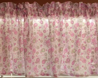 "Sweet Paisley Window Valance ~ Soft Pastel Colors ~ Girls Room ~ 76"" wide"