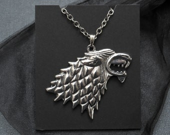 Game of Thrones Stark direwolf sigil necklace – Winter Is Coming – Stark family crest pendant – cosplay prop accessory