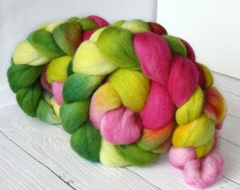 Merino handdyed combed top 'Bloom', hand dyed roving, merino wool, spinning fiber, felting fiber, spinning wool, combed wool pink, spring