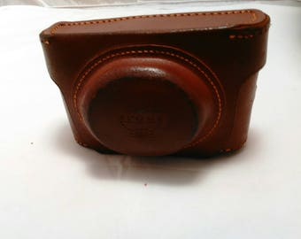 Vintage Collection - Argus Anastigmat Camera 50mm lens with leather case Made in USA